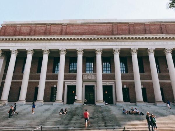 貧乏でもハーバード大学にタダで留学できる事実【中・高・大学生必見】